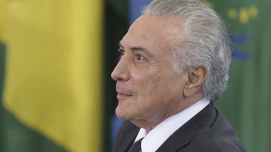 Nicht nur eine hinkende irtschaft und Korruptionsskandale, sondern auch Gespenster rauben dem brasilianischen Präsidenten Michel Temer den Schlaf. Nun ist er umgezogen. (Archivbild)
