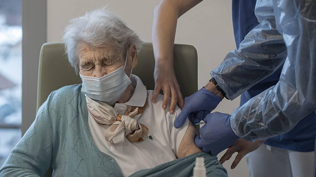 Tessin bringt Impfung in die Nähe der älteren Menschen
