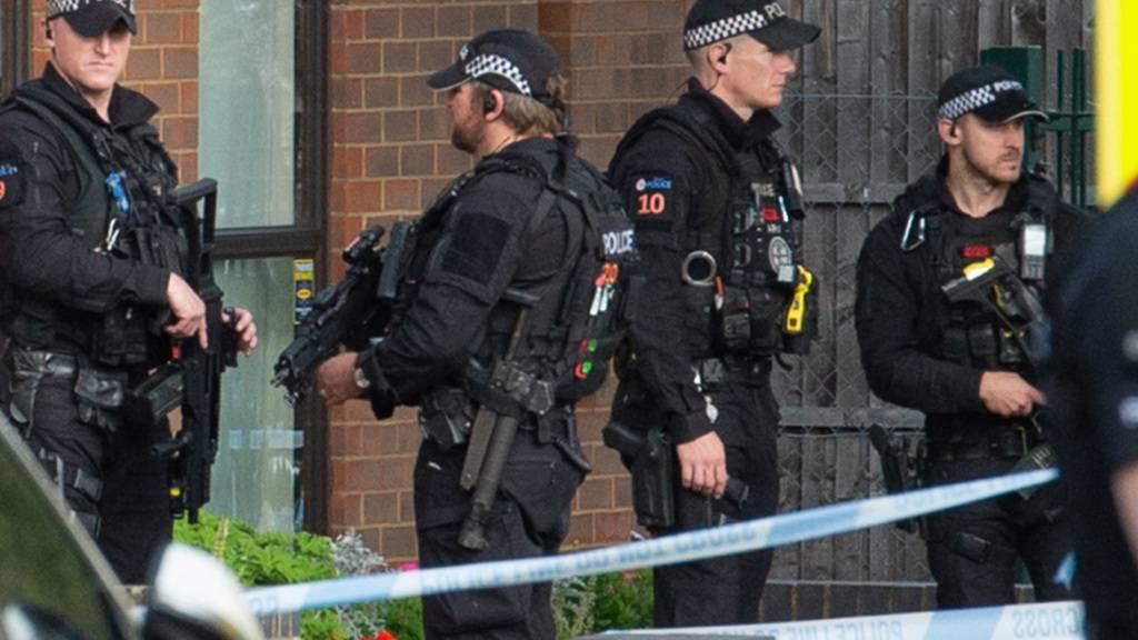 Polizei erklärt Messerangriff auf Abgeordneten zu Terrorakt