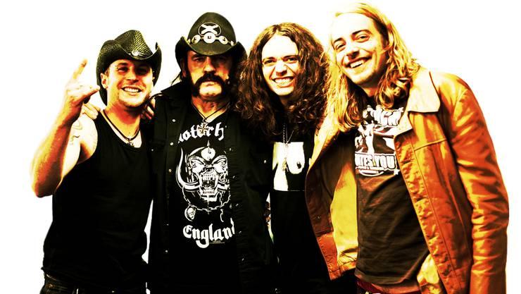 The Vibes mit Motörhead-Frontmann Lemmy Kilmister (2. v.l.) nach dem Konzert im Zürcher Hallenstadion.