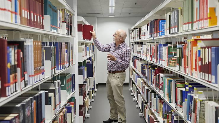 Die zehn angebotsstärksten Schweizer Bibliotheken - im Bild die Zentral- und Hochschulbibliothek Luzern (Platz 9) - haben zusammen 57 Millionen Medientitel im Sortiment. Am stärksten wächst das digitale Segment, auch hinsichtlich der Kosten. (Symbolbild)