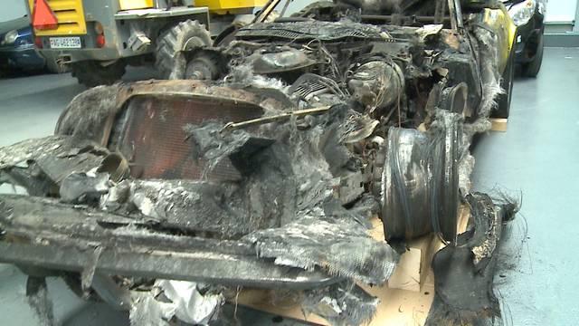 Das tut dem Autofan im Herzen weh: So übel sieht die Corvette nach dem Brand aus.