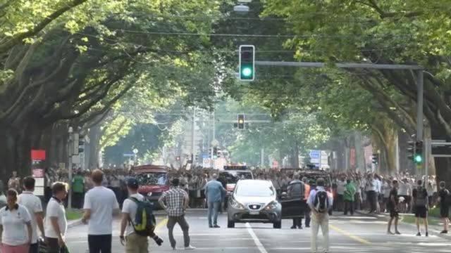 Borussia-Fans marschieren durch Bern