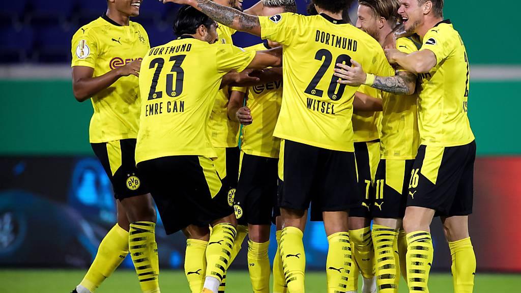 Feierstimmung beim BVB zum Auftakt: Dortmund siegt im Cup ohne Probleme