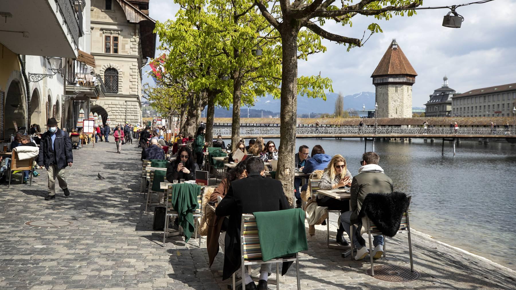 Keine andere Stadt in der Schweiz hat im letzten Jahr mehr Restaurant-Bewertungen erhalten als Luzern.