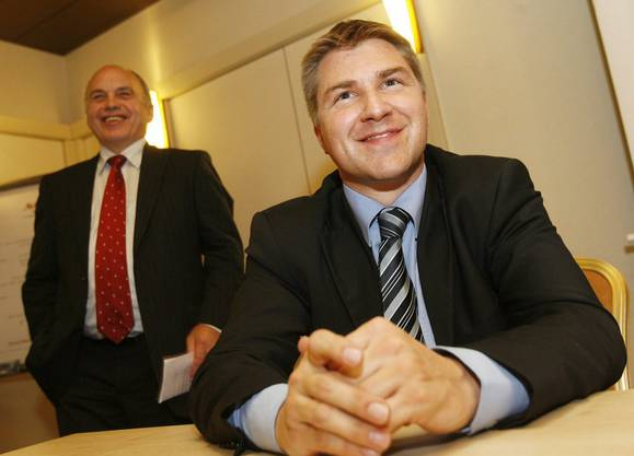 2008 übernimmt Toni Brunner die SVP-Präsidentschaft von Ueli Maurer