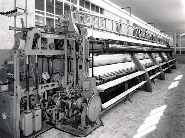Mit dieser Maschine wurden die Abzeichen produziert.