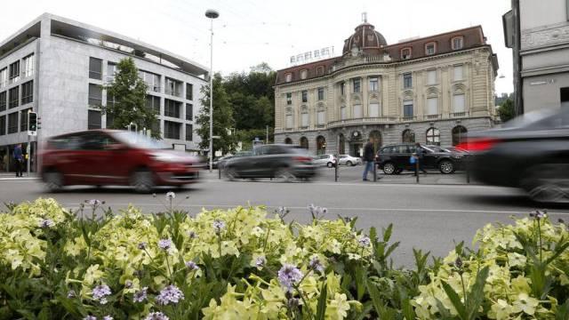 Zug (Bild Postplatz) ist in der Schweiz ein Steuerparadies