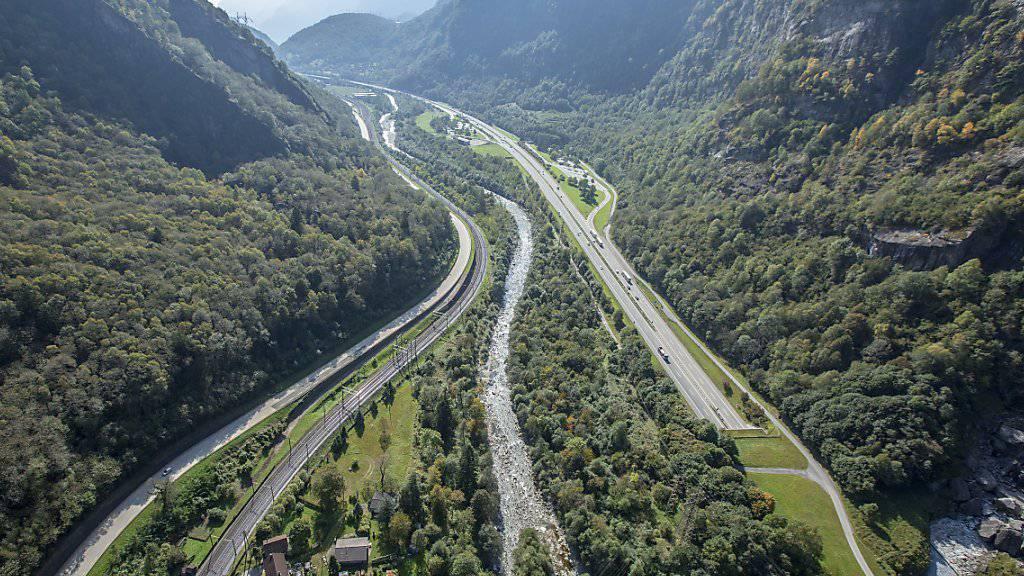 Auf Tessiner Strassen kamen 2015 im Vergleich zum Vorjahr mehr Menschen ums Leben. Die Zahl der Unfälle nahm dagegen ab. (Archivbild)