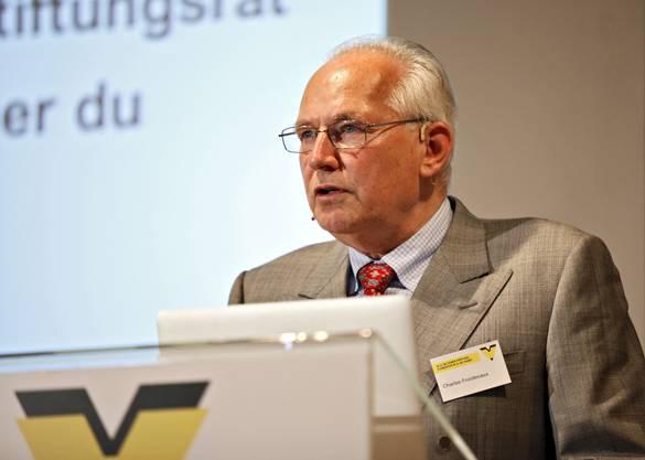 Charles Froidevaux, ehemaliger Stiftungsrat, hielt die Dankesrede