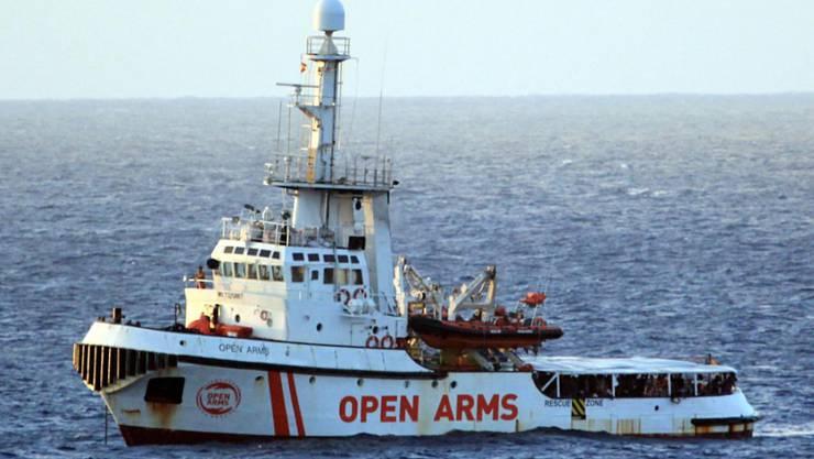 """Die """"Open Arms"""" ist seit Donnerstag in unmittelbarer Nähe der italienischen Insel Lampedusa. Die Balearen liegen mehr als 1000 Kilometer von Lampedusa entfernt. (Bild vom 15. August)"""