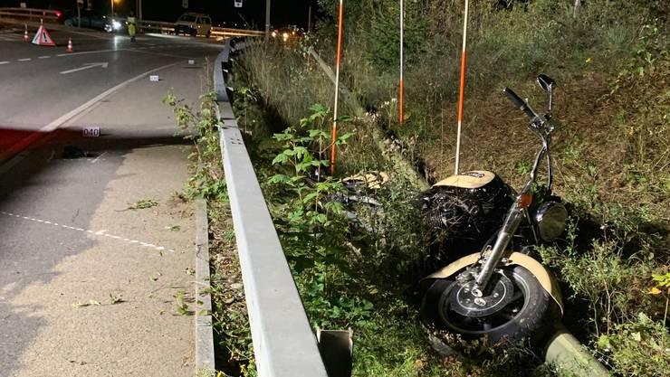 In Birmensdorf ist am Montagmorgen ein Motorradfahrer ums Leben gekommen. Die Polizei sucht Zeugen.