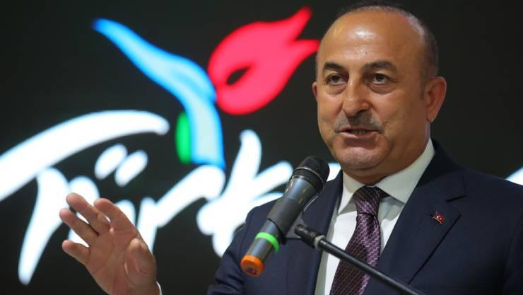 Der türkische Aussenminister Mevlüt Cavusoglu am Mittwoch in Berlin - es ist noch offen, ob er nun in die Schweiz kommt