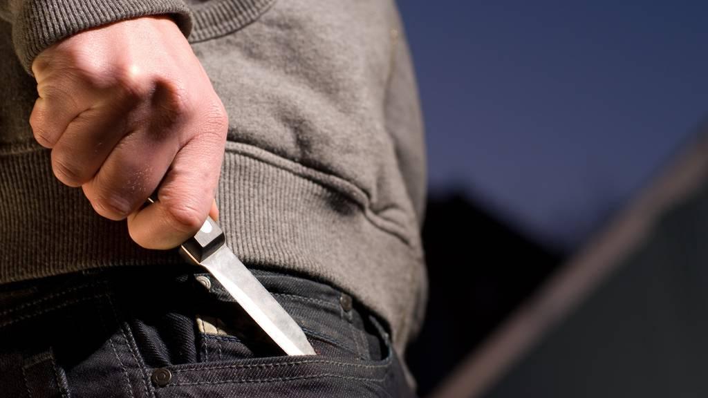 Polizei verzeichnet gleich zwei Messerangriffe am Wochenende