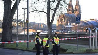 Absperrung am Dienstag in Köln wegen der Entschärfung einer Weltkriegsbombe.