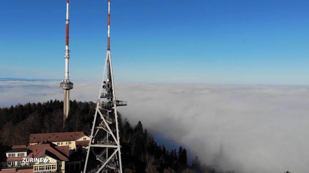 Zürcher fliehen vom Nebel in die Ausflugsberge