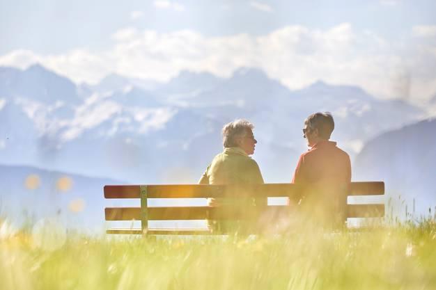 Zwei Grundpfeiler der schweizerischen Wohlfahrt sollen gesichert werden: angemessene AHV-Renten...
