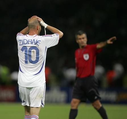Und auch an der WM 2006 in Berlin muss Zinédine Zidane vom Platz.