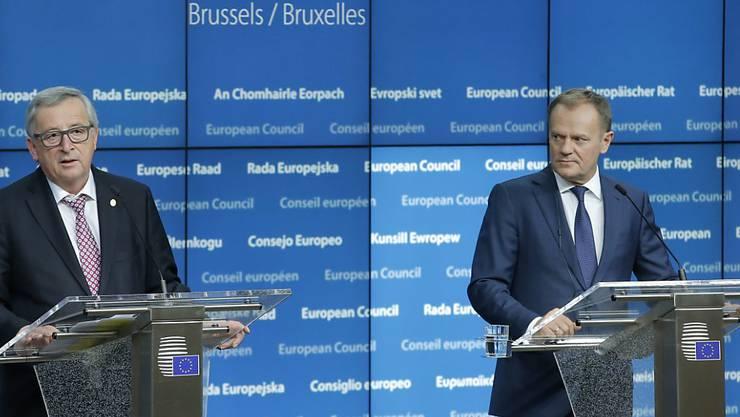 """""""Schlacht um Plan A, B und C vermeiden"""": Tusk (rechts) und Juncker fordern europäische Strategie in der Flüchtlingskrise."""