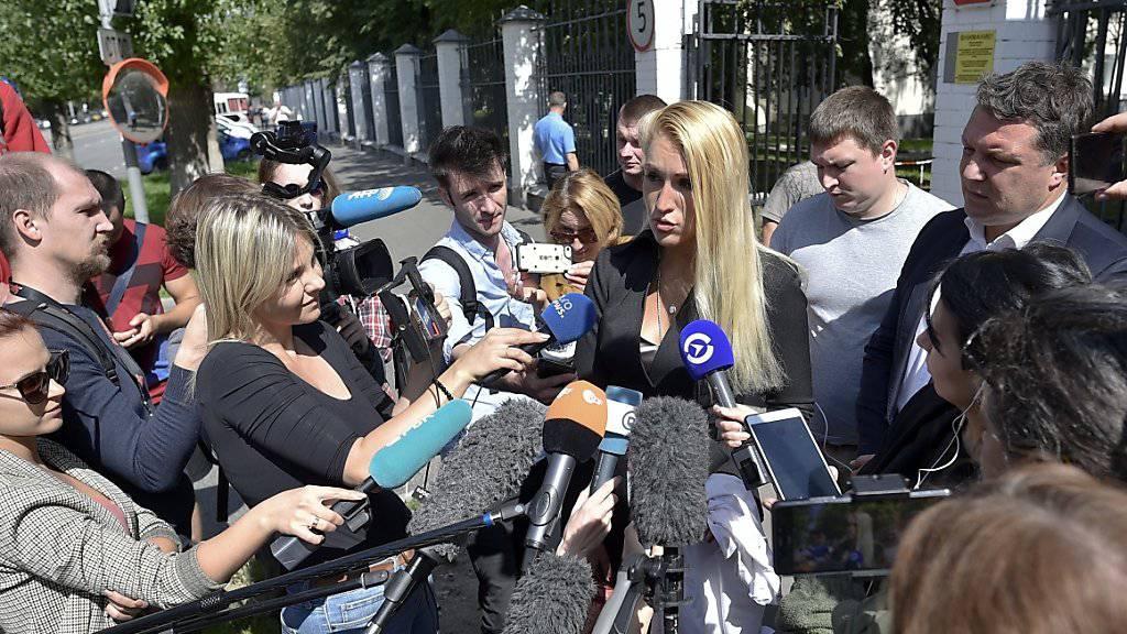 Die Hausärztin von Kreml-Kritiker Alexej Nawalny, Anastasia Wassiliewa, macht den Spitalärzten schwere Vorwürfe.