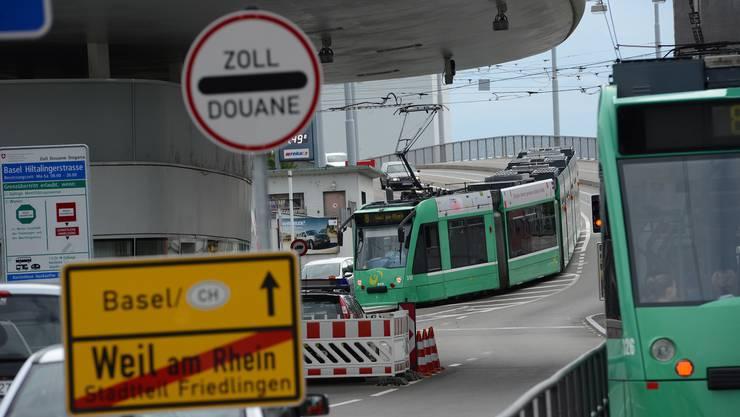 Zollübergang Basel / Weil am Rhein Zoll Grenze 8er Tram