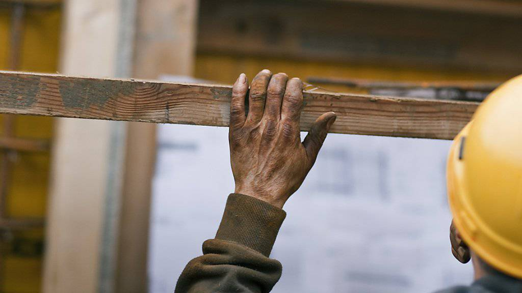 Dumpinglöhne und Schwarzarbeit: Die Kantone befassen sich vor allem mit dem Baugewerbe, dem Gastgewerbe und dem Handel. (Symbolbild)