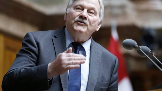 SVP-Nationalrat Fehr entschuldigt sich wegen Putzhilfe (Archiv)