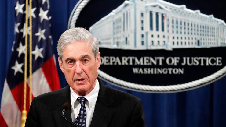 Robert Mueller spricht im einem Konferenzsaal Department of Justice (DOJ) in Washington.