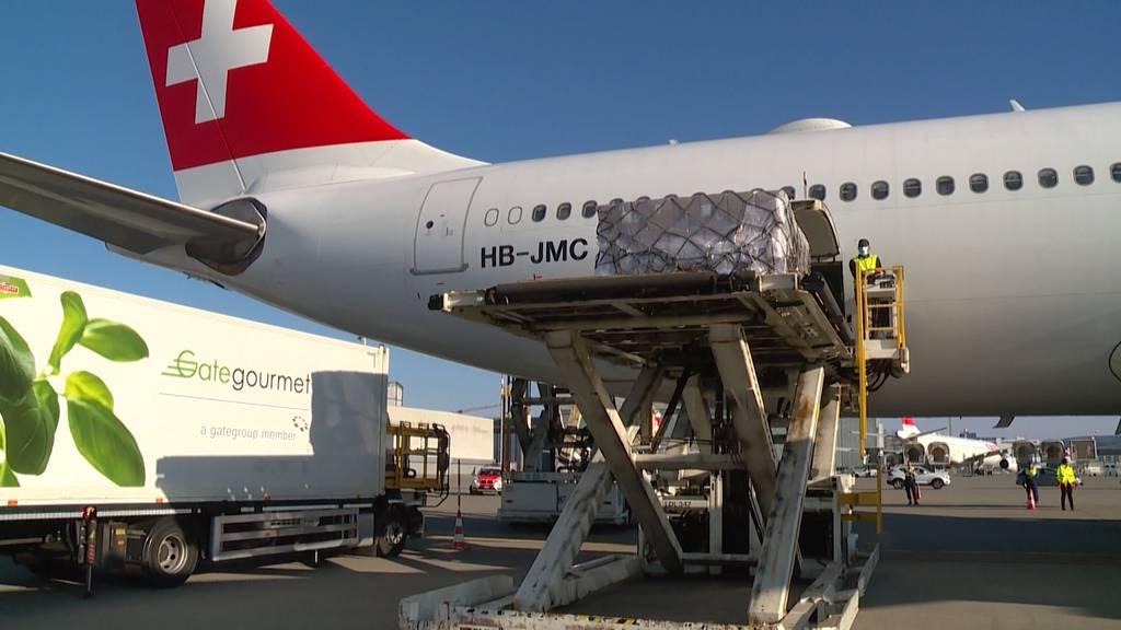 Swiss-Flieger importieren für den Kanton Zürich Schutzkleidung aus China