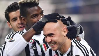 Paul Pogba beglückwünscht Simone Zaza (rechts) zum Siegestor gegen Napoli