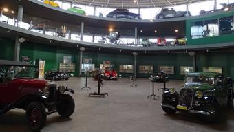 Das Pantheon Basel in Muttenz ist nicht nur Ausstellungsraum, sondern zugleich auch eine Wintergarage für die Exponate.