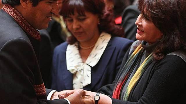 Morales mit der neuen Kulturministerin (r.)