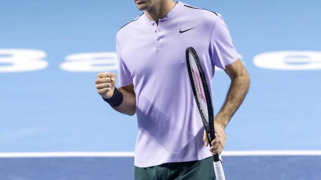 Roger Federer freut sich über einen Punktgewinn im letztjährigen Final in Basel gegen Juan Martin Del Potro