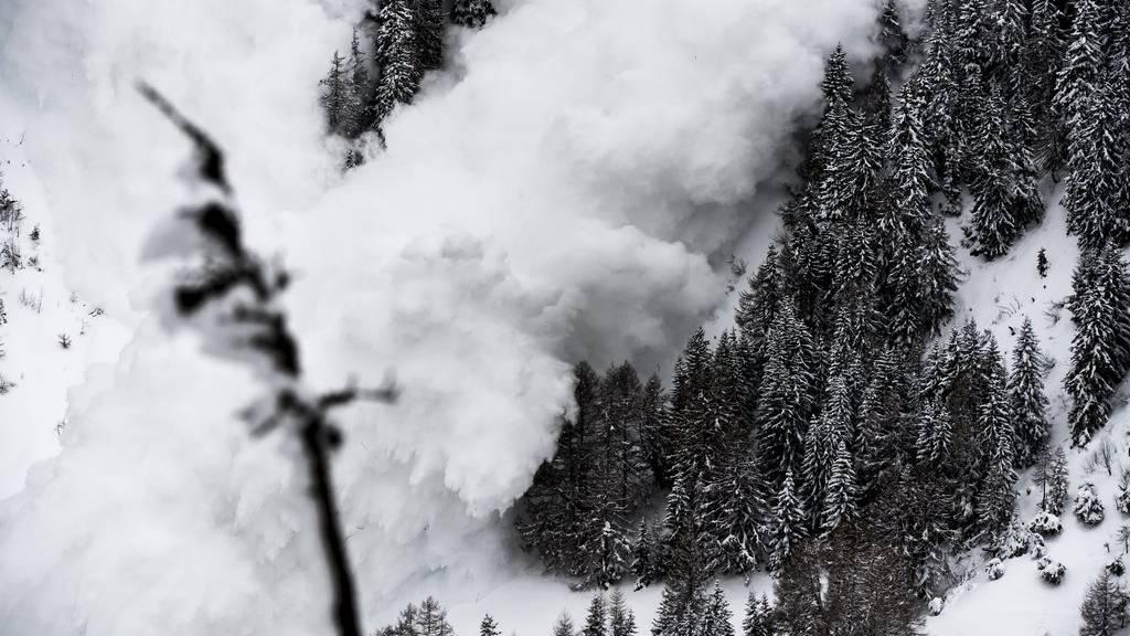 Insbesondere über 2000 Metern über Meer können einzelne Wintersportler Lawinen auslösen.