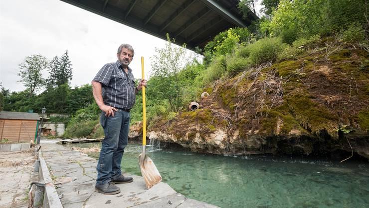 Roman Hufschmid will seine Fischzucht an der Reuss auf eigene Faust wieder aufbauen.