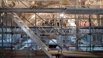 Im Frühsommer war die Jesuitenkirche ein einziger Gerüstwirrwarr. Doch auch sonst prägten Umbauten und Neueröffnungen das Stadtbild. Und der grösste Umbau steht noch bevor: Die allfällige Fusion mit Zuchwil. (Archiv)
