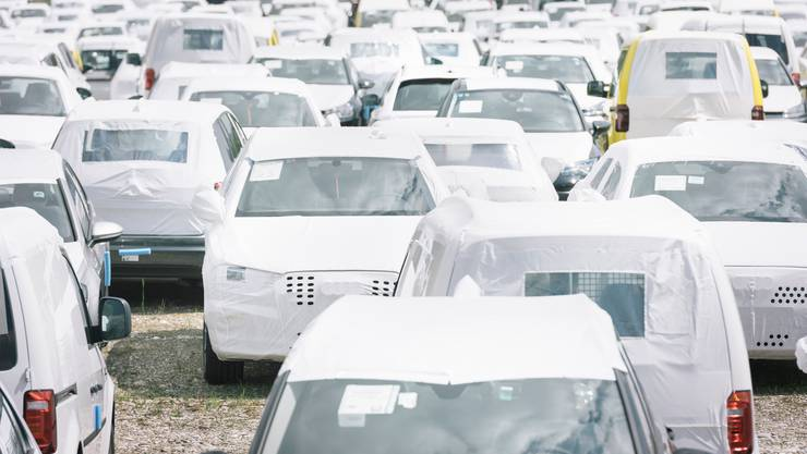 Neuwagen finden derzeit keine Abnehmer in der Schweiz.