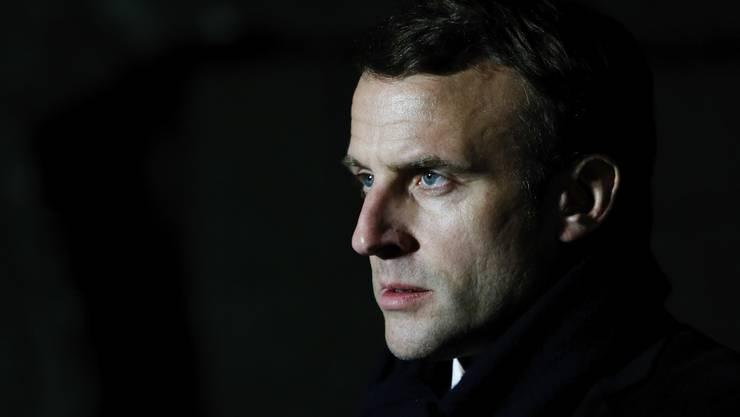 Frankreichs Präsident Emmanuel Macron in der Kritik: Die von ihm durchgezogene Wahl im März hat schlimme Folgen.