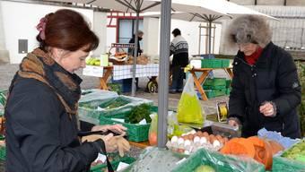 Der Gemüsestand am Schöftler Wochenmarkt war beliebt. Archiv/Nam