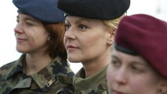 Wird die Armee künftig auch Pflicht für Frauen? (Symbolbild)
