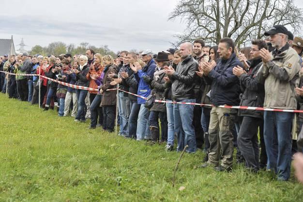 Die Polizeihundeprüfung zog viele Zuschauer an.