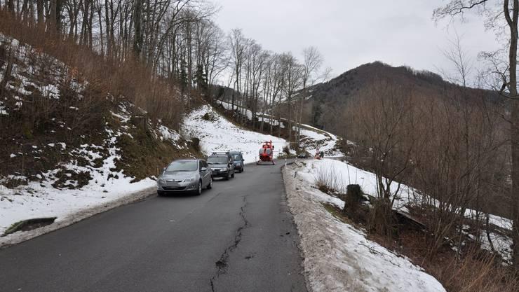 Auf der Saalstrasse in Kienberg ereignet sich der Selbstunfall des Mofalenkers