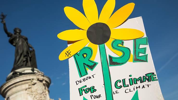 Marche pour le climat: Zehntausende gehen in Frankreich zum Klimaschutz auf die Strasse - wie hier in Paris.