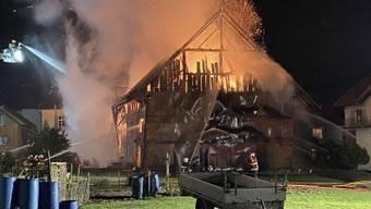 Hintergrund und Motiv der Brandstiftungen sind nach wie vor Gegenstand der laufenden Ermittlung.