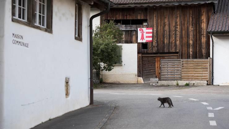 Verbleibt Belprahon bei Bern – oder schliesst es sich wie Moutier dem Kanton Jura an? Am Sonntag wissen wir es. Keystone