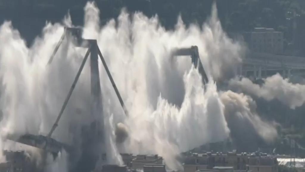 Spektakuläre Sprengung der Morandi-Brücke