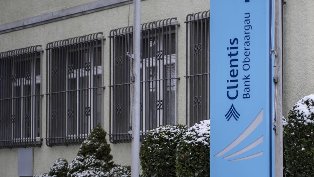 Die Clientis-Bankengrupp hat im ersten Halbjahr 2021 mehr verdient. Im Bild die Clientis Bank Oberaargau in Huttwil, eine der 14 zum Verbund gehörenden Banken. (Archivbild)