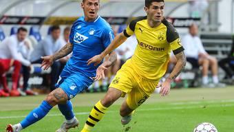 Neuer Vertrag bis Juni 2023: Der Schweizer Internationale Steven Zuber (links) bleibt dem Bundesligisten Hoffenheim treu