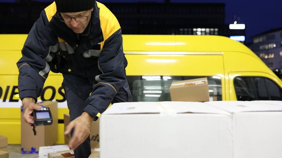 «Die Touren werden kleiner, die Pakete mehr»: Felix Louis bei der Arbeit