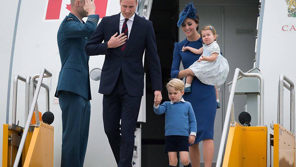 Ankunft der Prinzenfamilie in Victoria, British Columbia: William, Kate, George und Charlotte verbringen eine Woche in Kanada.